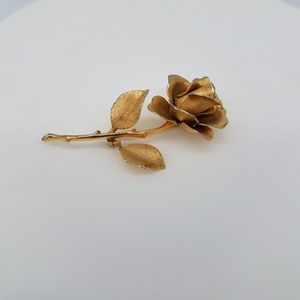 GIOVANNI BROOCH GOLD TONED ROSE VINTAGE CONDITION
